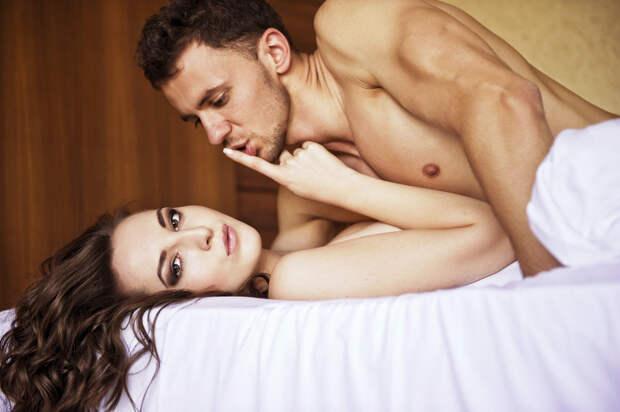 Мужские фразы в постели, после которых секс уже не торт. В гифках