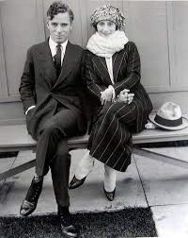 Как выглядел Чарли Чаплин без своих знаменитых усов и котелка? 4 снимка