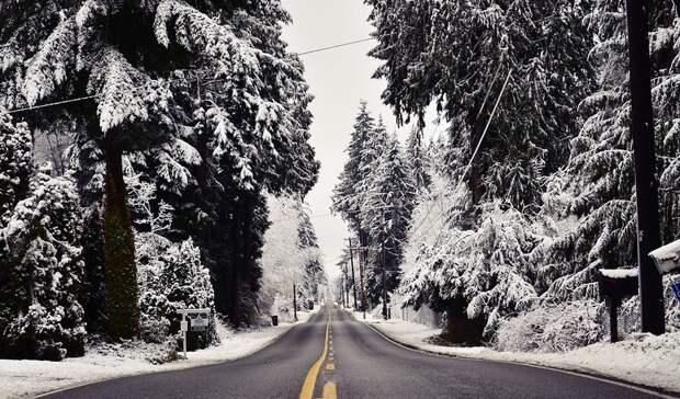 Обильный снегопад стал причиной закрытия трассы«Октябрьское - Благодарное»