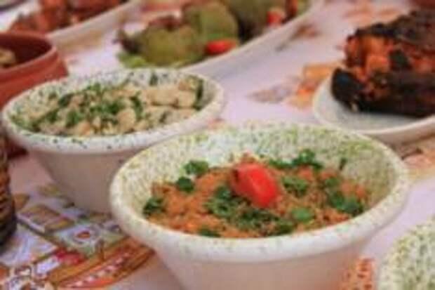 Арйоли (Arjoli) - мальтийская закуска из тунца, которая часто подаётся вместе с пресными галетами