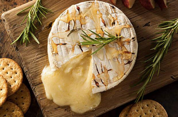 Сыр в духовке: закуска от которой все без ума
