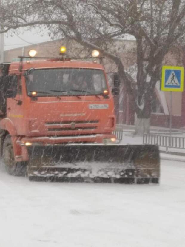 Возможно, это изображение (дорога и снег)