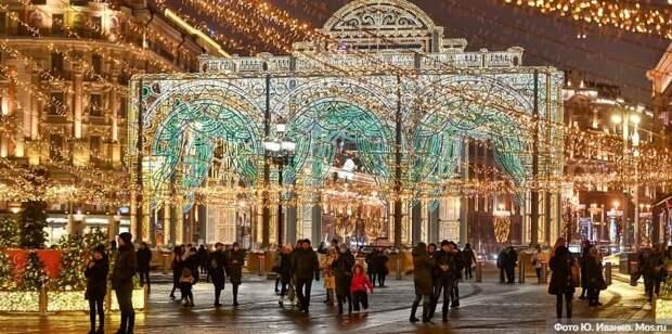Собянин рассказал о праздничных световых конструкциях на улицах Москвы Фото: Ю. Иванко mos.ru