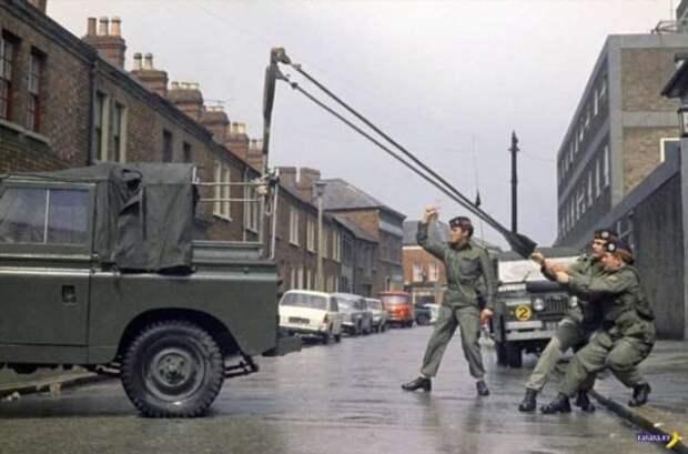 Боевые британские рогатчики!