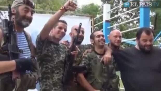 Испанская полиция арестовала восемь воевавших на Украине антифашистов