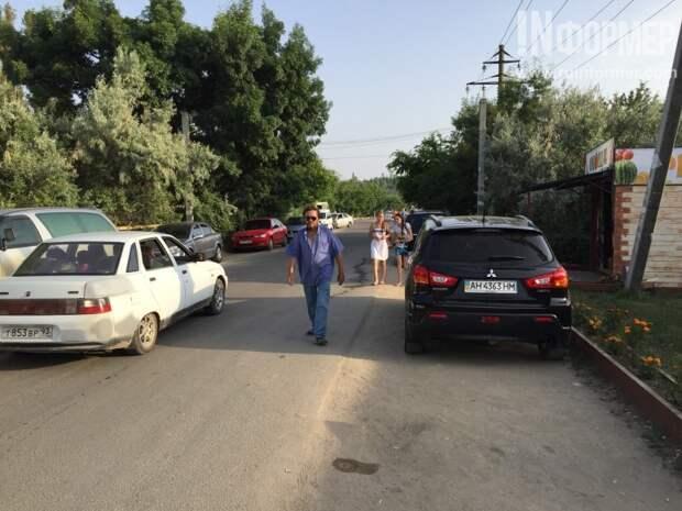 В Севастополе ждут смерти ребёнка под колёсами? (фото)