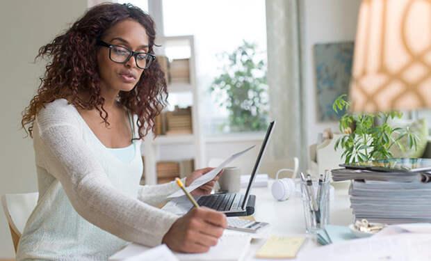 Как обустроить работу из дома, когда рядом все время семья и дети: 3 главных совета