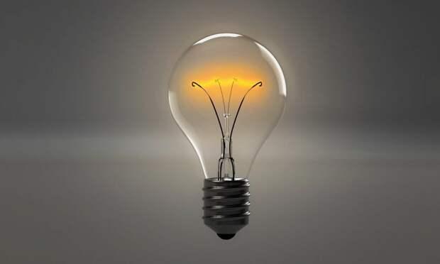 Плохое качество стало причиной перегорания лампочек в доме на Смольной