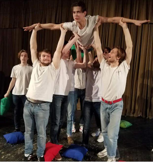 Как я провёл Международный День театра