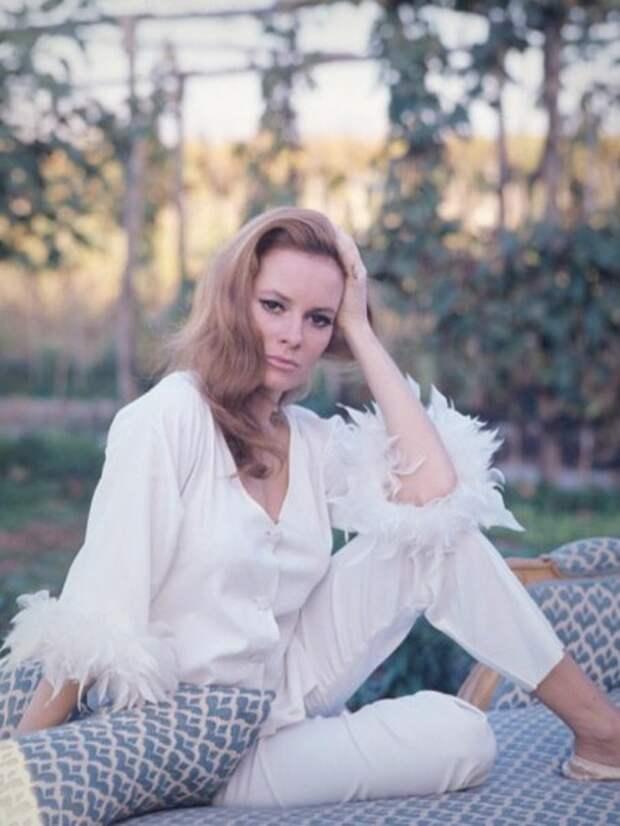 Итальянские актрисы: Лучана Палуцци