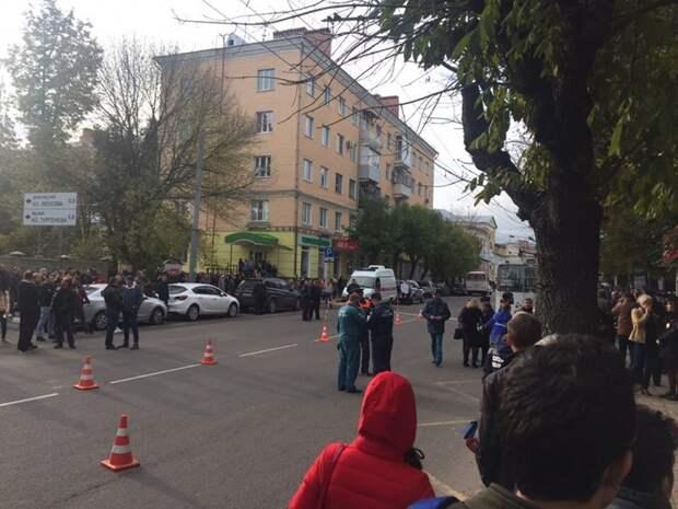 Трагедия в Орле: троллейбус въехал в толпу пешеходов ynews, дтп, новости, орел, происшествие, смерть