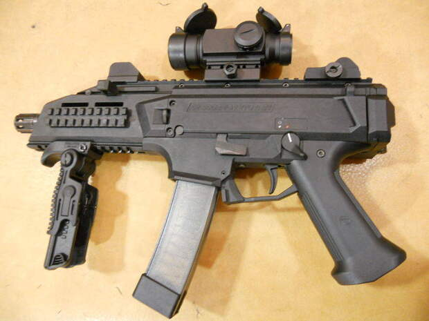 Пистолет-пулемет Skorpion Vz. 61: самый известный оружейный бренд Чехии