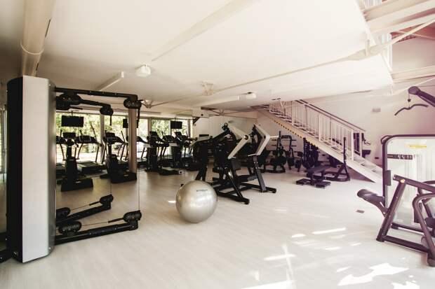 Фитнес-центры и бассейны в Москве закроют из-за коронавируса
