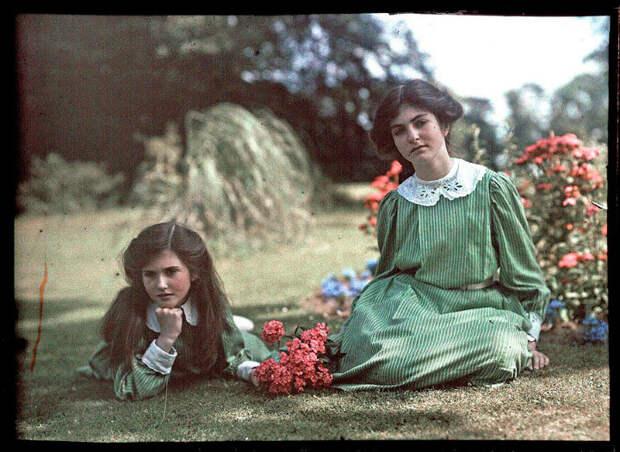 Две сестры. Фотографии, датированные 1908 годом