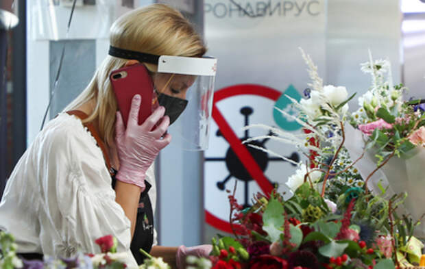 Названы сроки окончания циркуляции коронавируса в России