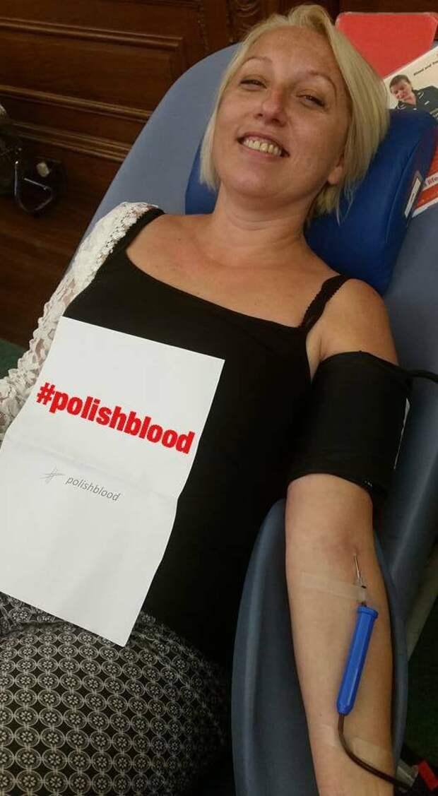 Польские иммигранты в Великобритании сдают кровь что бы показать свою солидарность
