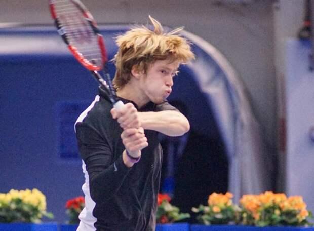 Рублев в компании Кафельникова и Джоковича. Российский теннисист выиграл турнир АТР-500 и поднялся на 8-ю строчку в мировом рейтинге