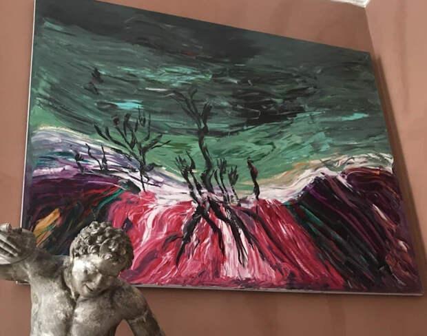 Выставка картин экс-чиновницы Евгении Васильевой