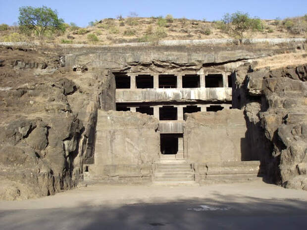 Конопля сохранила 1500-летние фрески в индийском храме