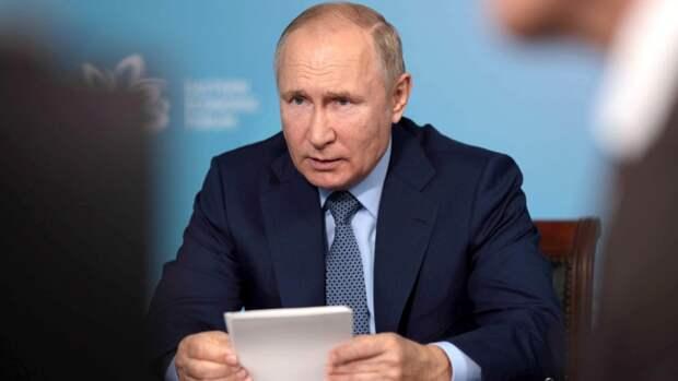 Песков рассказал о формате работы ушедшего на самоизоляцию Путина