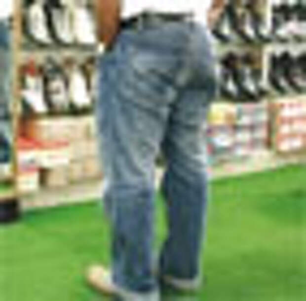 Ноги диабетиков спасают в обувных магазинах