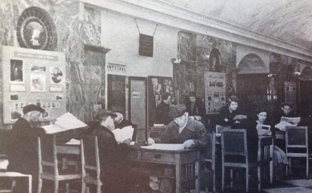 Московское метро, ставшее для многих домом во время войны