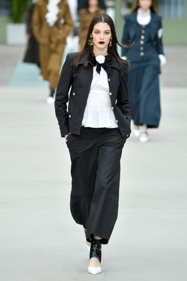Самые новые тренды: обворожительная коллекция Chanel Resort 2020