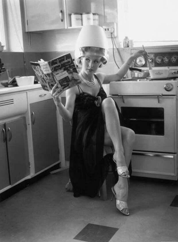 Актрисы на кухне.
