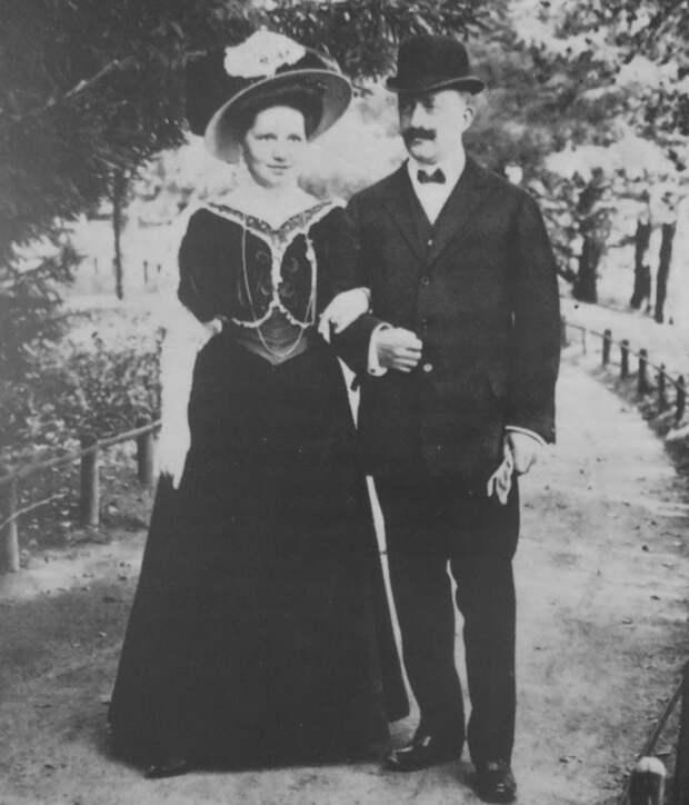 """Как принц женился на женщине """"с пониженной социальной ответственностью"""". Дважды"""