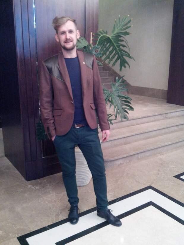 Блейзер-клубный пиджак с вставками из кожи