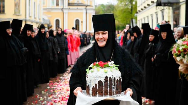 Настоятельница монастыря купила Mercedes-Benz S-класса за 10 млн руб