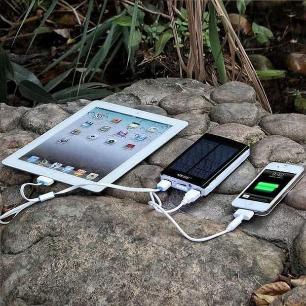 11. Зарядка для гаджетов на солнечных батареях. вещи, лето