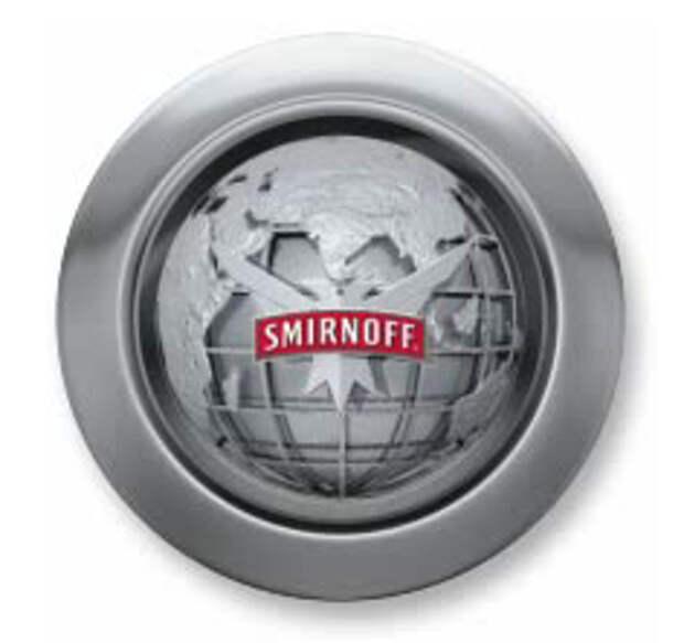Smirnoff vs Absolut: мрачное русское прошлое против «абсолютного» будущего
