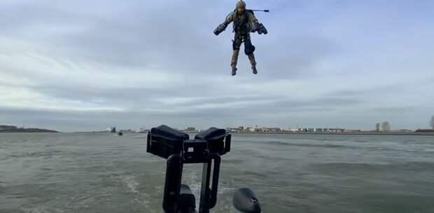 Испытания джетпака на учениях голландского спецназа