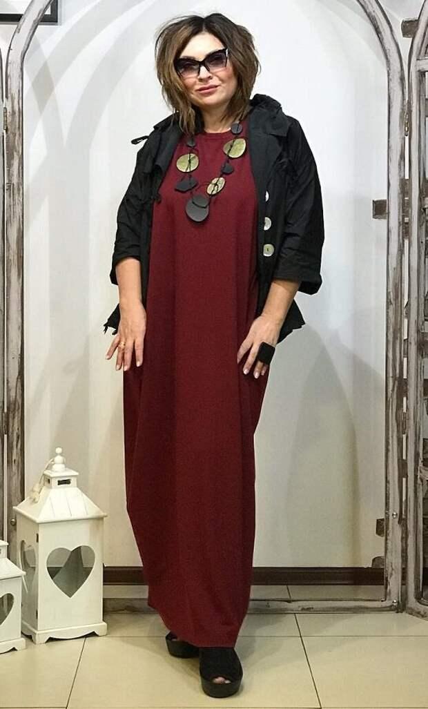 Платье-ромб цвета бордо  с жакетом для прохладного лета