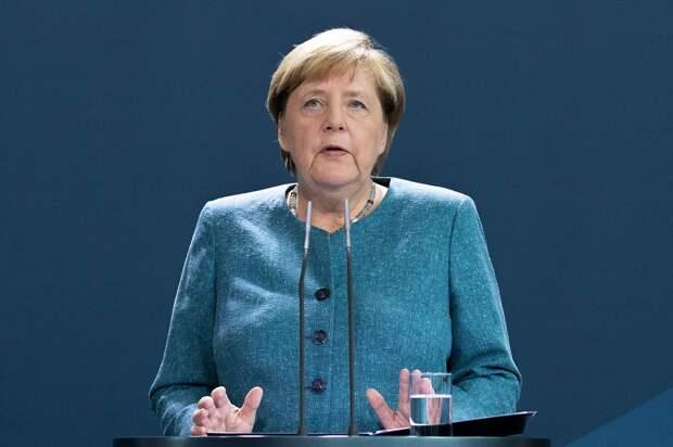 """Меркель подсела на """"Новичок"""": Спецслужбы США обвели фрау канцлер вокруг пальца"""