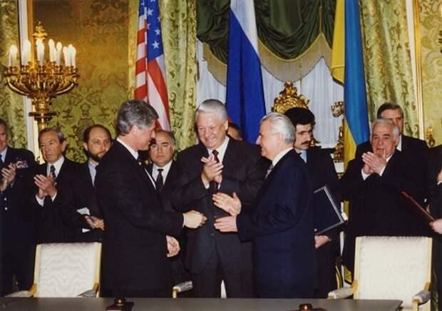 Распад, война с Россией, Киевская Русь: варианты для Украины