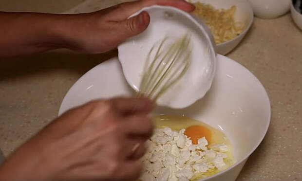 Взяли лаваш и за минуты сделали сырный пирог