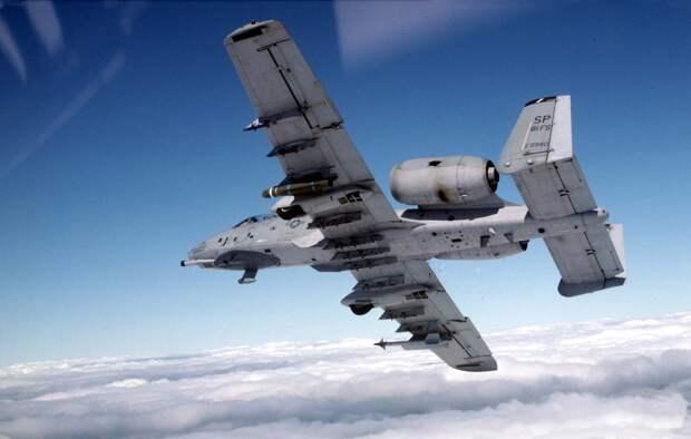 Штурмовики A-10 Thunderbolt II получили новые крылья