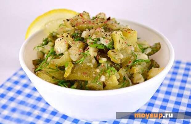 Грибной салат с картофелем и курицей