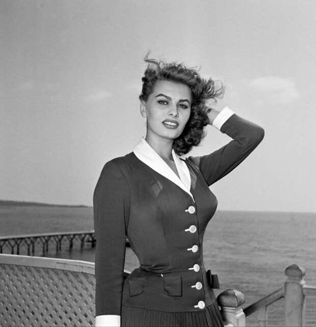 Софи Лорен на Каннском кинофестивале, Франция, 1954.