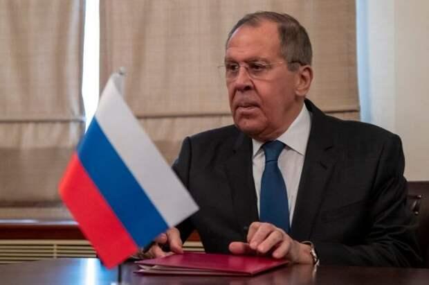 Лавров заявил о необходимости решать гуманитарные проблемы Карабаха