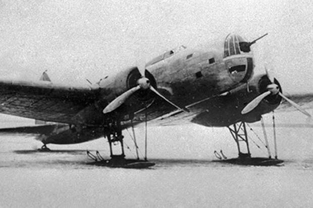 Дальний самолет-бомбардировщик ДБ-3