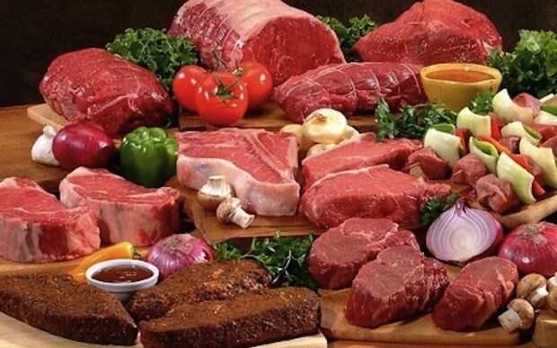 Ешьте всеИсключение из диеты спортсменов-любителей целых групп продуктов питания можно встретить очень часто. Однако такое явление отсутствует на профессиональном уровне. Наиболее распространены две ошибки: устранение из диеты злаков, что увеличивает риск заболевания или травмы, и устранение мяса, что может привести к анемии.