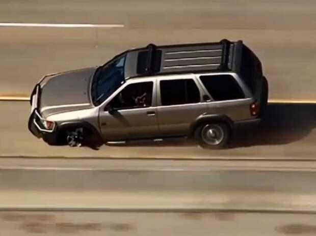 Нарушитель удирал от полиции на «Патфайндере» с пробитым колесом (ВИДЕО)