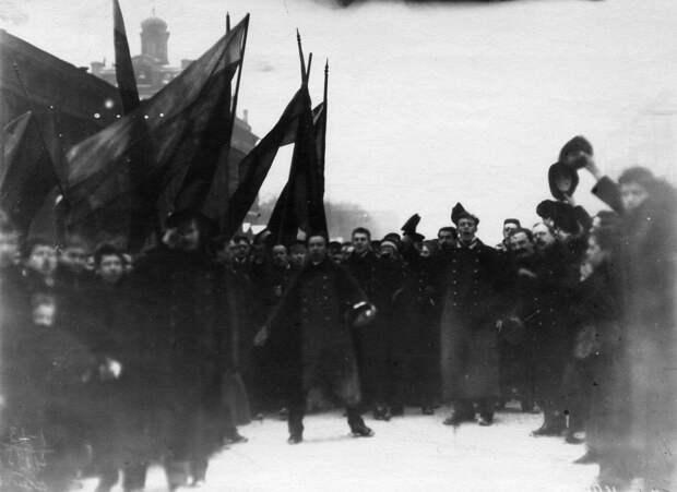 14. Демонстрация протеста на Невском проспекте. 15 апреля 1912. Санкт-Петербург