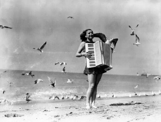 20 ретро фотографий о пляжном отдыхе в 1930-х годах