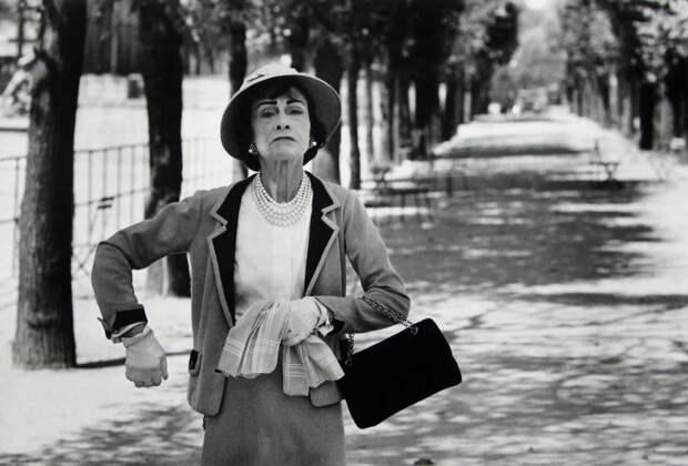 «Всегда носила с собой ножницы»: 12 интересных фактов о Коко Шанель