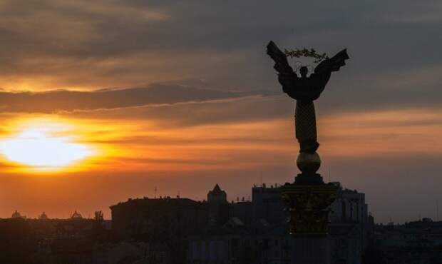 """WSJ о деньгах МВФ: """"смертельный номер"""" спасения Украины"""