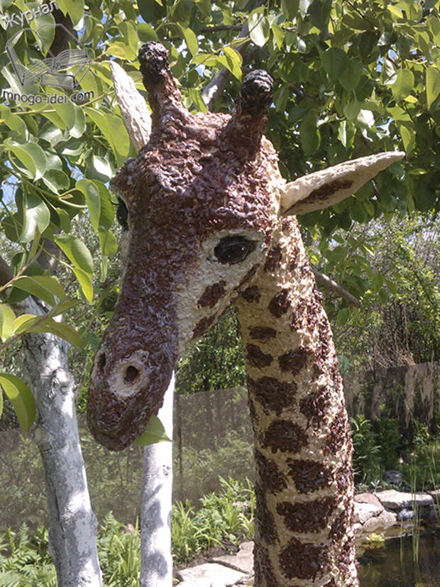 Жираф из монтажной пены